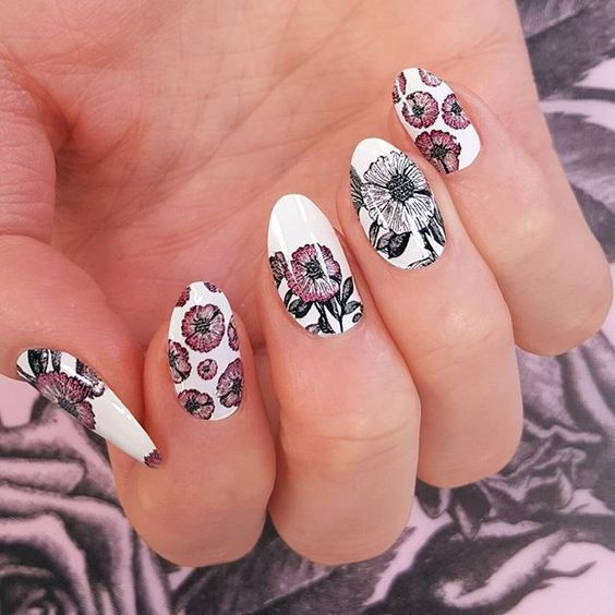 Bold Flowers Floral Nail Art